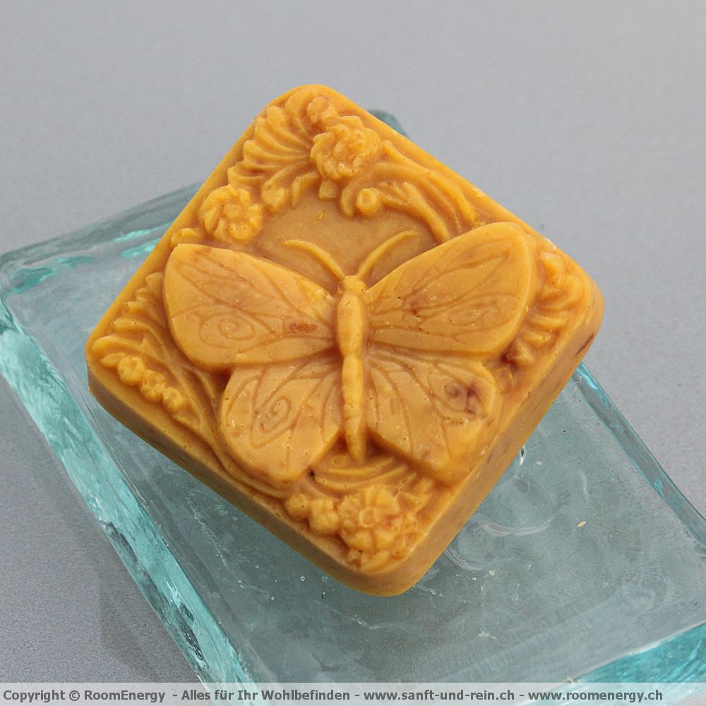 Huflattichblüete - Schmetterling